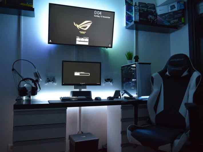 Gaming_Zimmer_schwarz_weiß