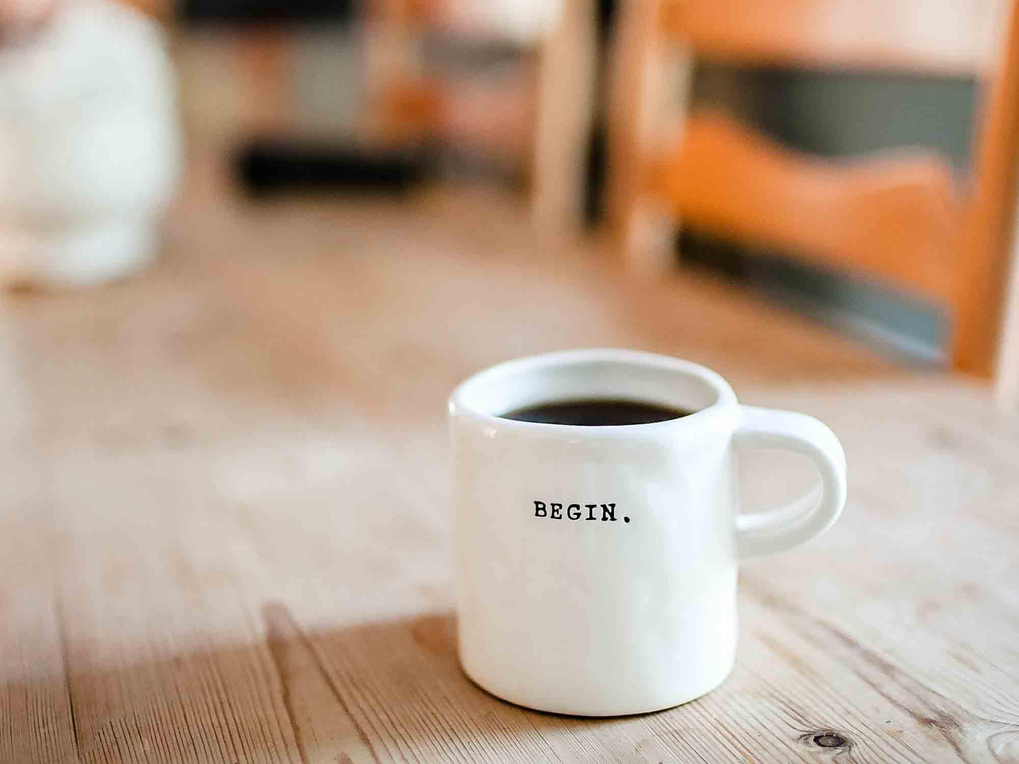 Ritual_am_Arbeitsplatz_Kaffee
