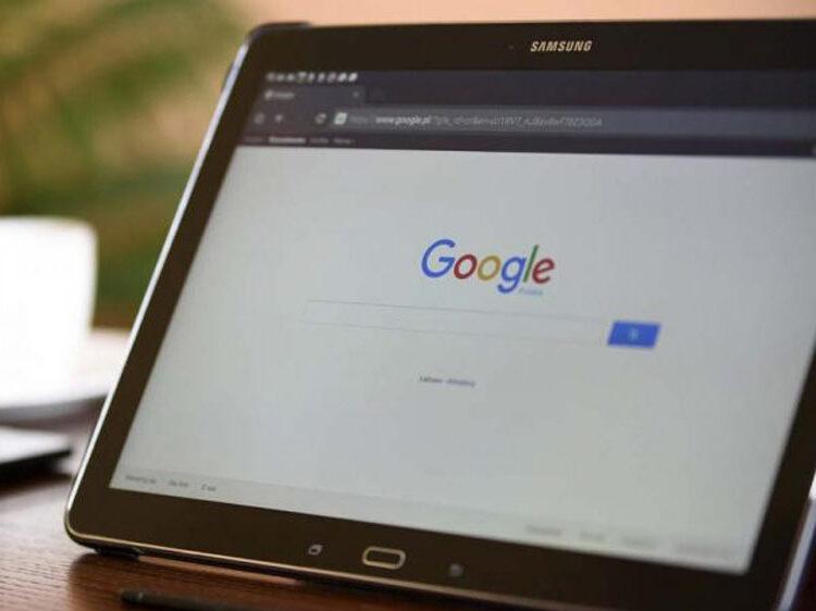 tablet_und_google_suche