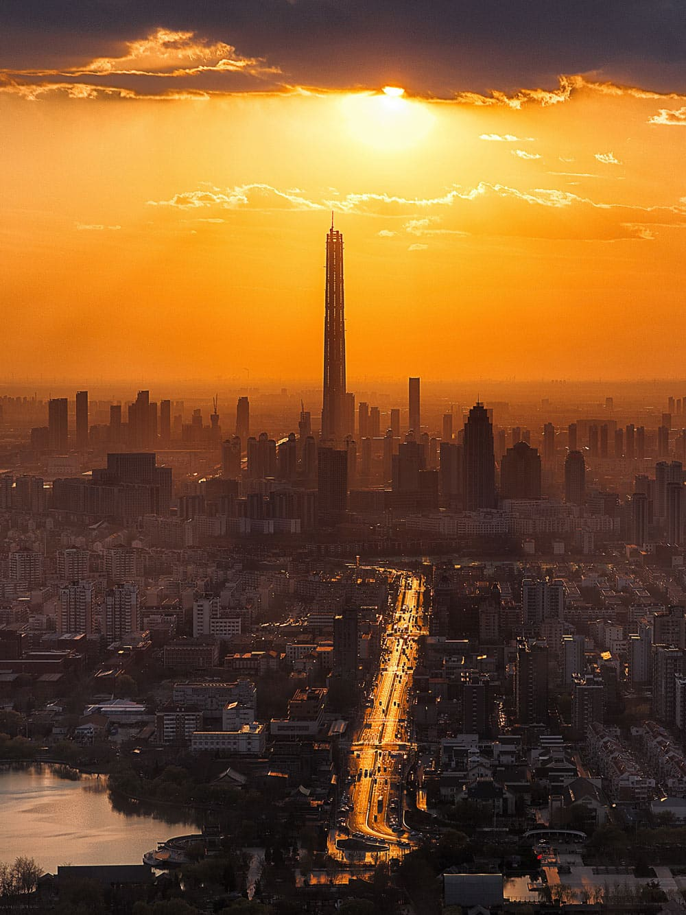 Skyline_im_Sonnenuntergang